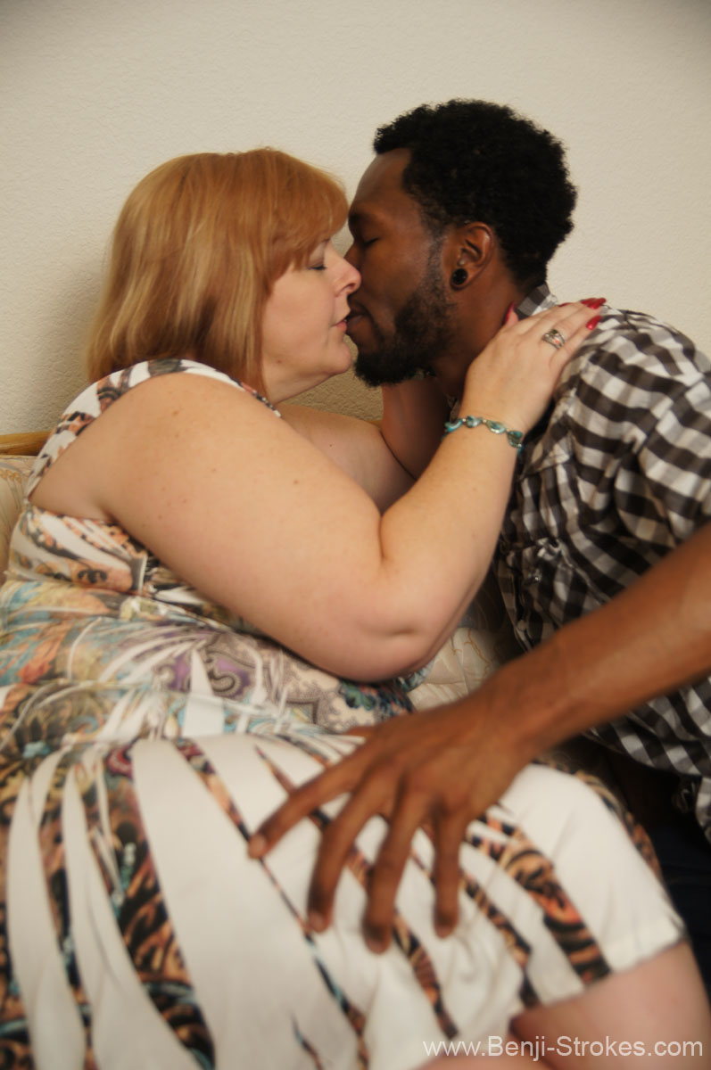 blonde bbw interracial - ... image of BBW MILF Sammie kissing black male ...